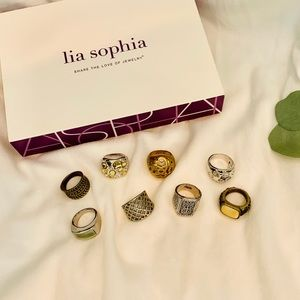Lia Sophia rings 8 total size 7